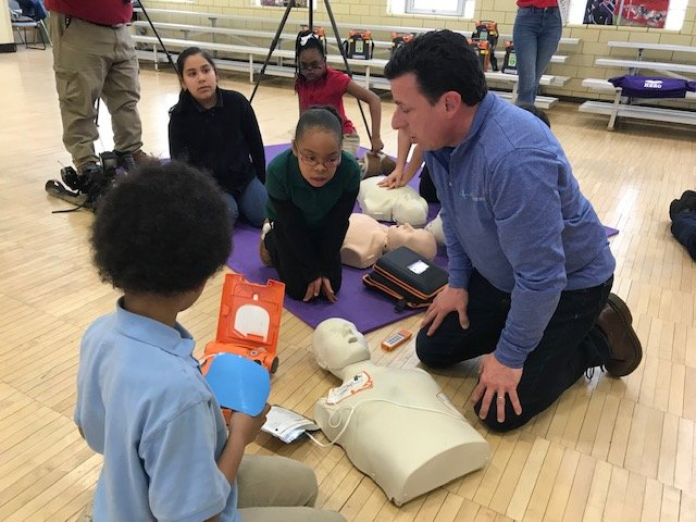 Peyton Walker Foundation Donates AEDs to Harrisburg School